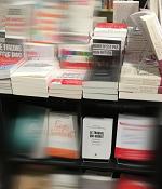 Livre dans librairie
